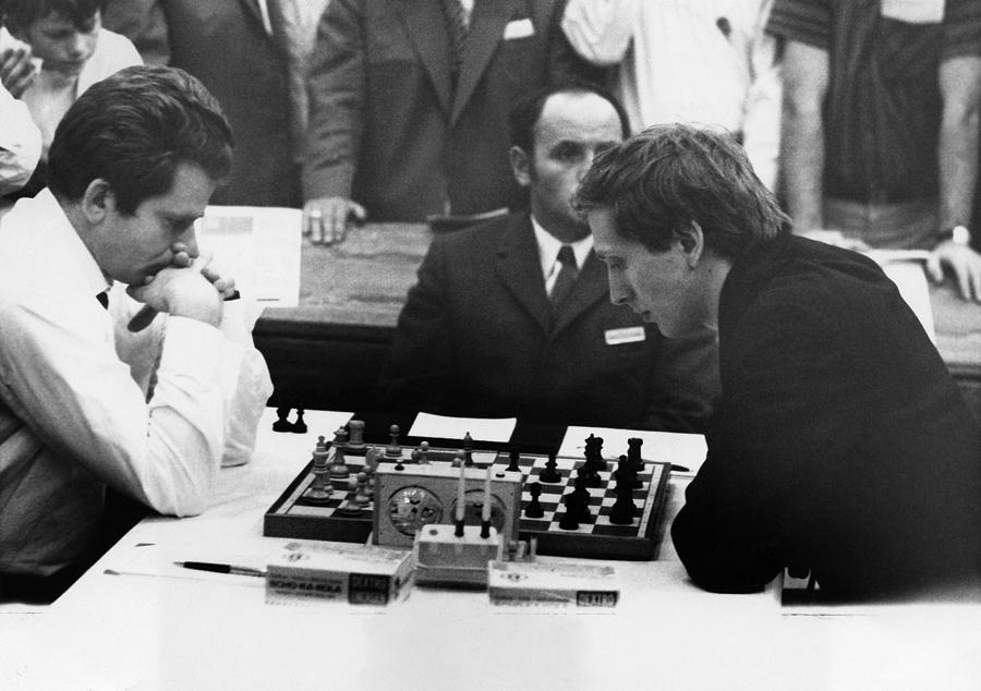 Dünya finali karşılaşmasında karşı karşıya gelen Boris ve Fischer